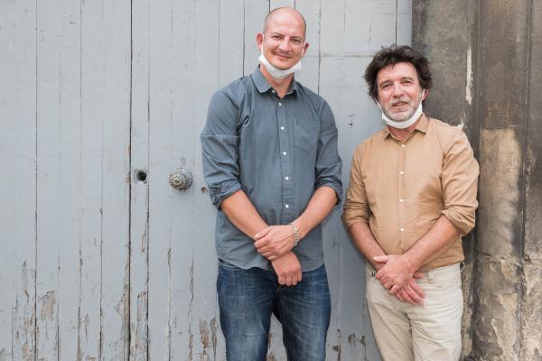 Guillaume Bros, le Directeur de Caprionis, et Yves-Alain Liénard, le Directeur du Centre de réemploi des matériaux du Bâtiment. ©Pierre BRUYNOOGHE