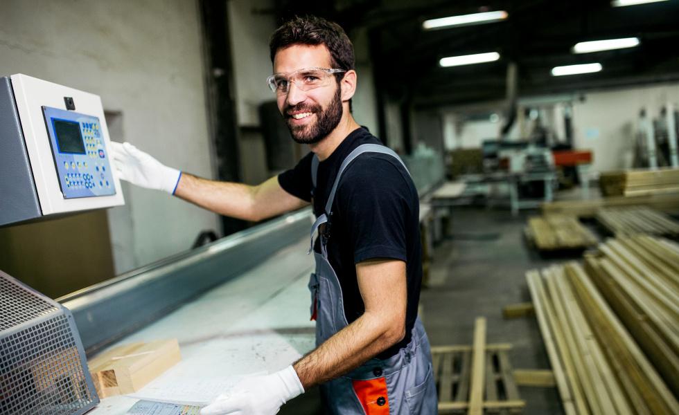 Photo d'illustration d'un entrepreneur dans le secteur industriel @istock