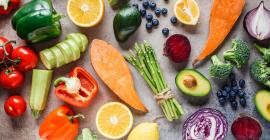 Produits frais, boucherie, fruits, légumes, viandes, fromages, vins